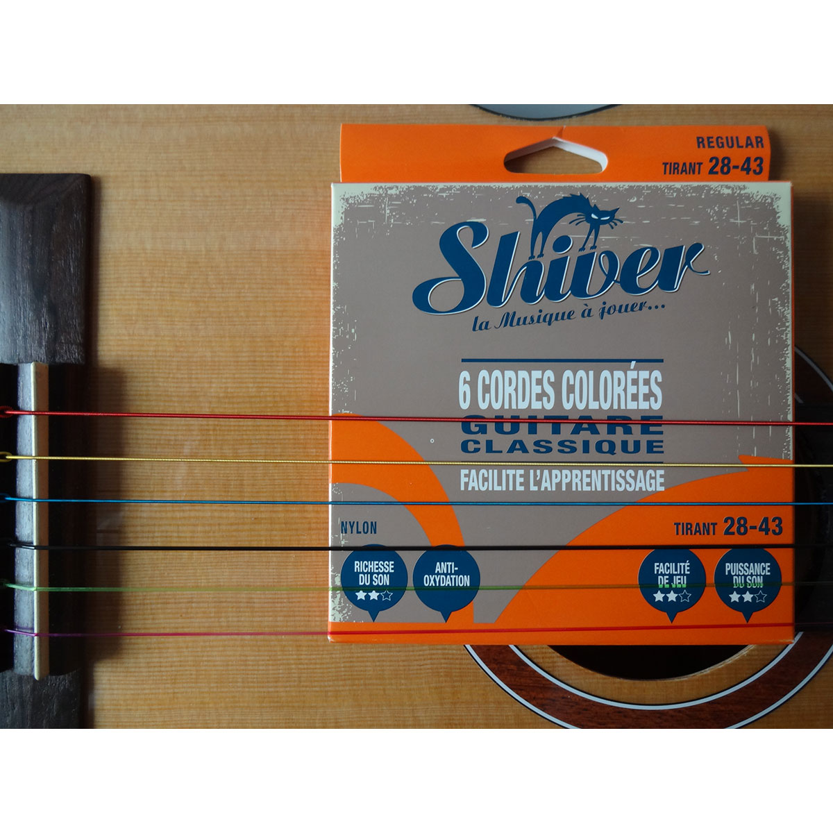 Shiver - Jeu 6 cordes colorées guitare classique 28-43