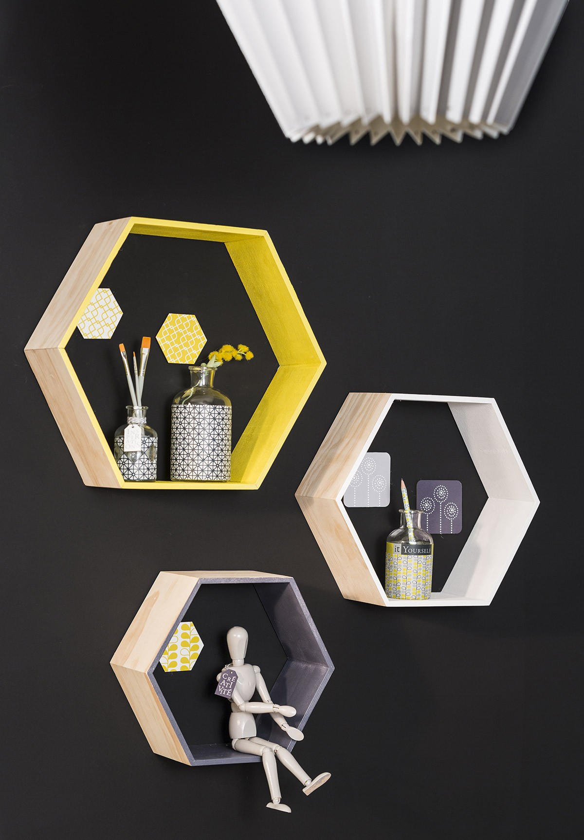 yellow and grey etag res hexagonales loisirs cr atifs yellow grey cultura. Black Bedroom Furniture Sets. Home Design Ideas